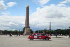 2CV through Paris!