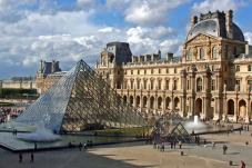 Fashion history at Louvre Museum!