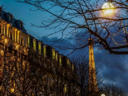 The Hotel Montaigne is located Avenue Montaigne  Haute-Couture and Culture  emblematic artery. This showcase, quiet haven of serenity, is in the heart  of ... 771d797ca89